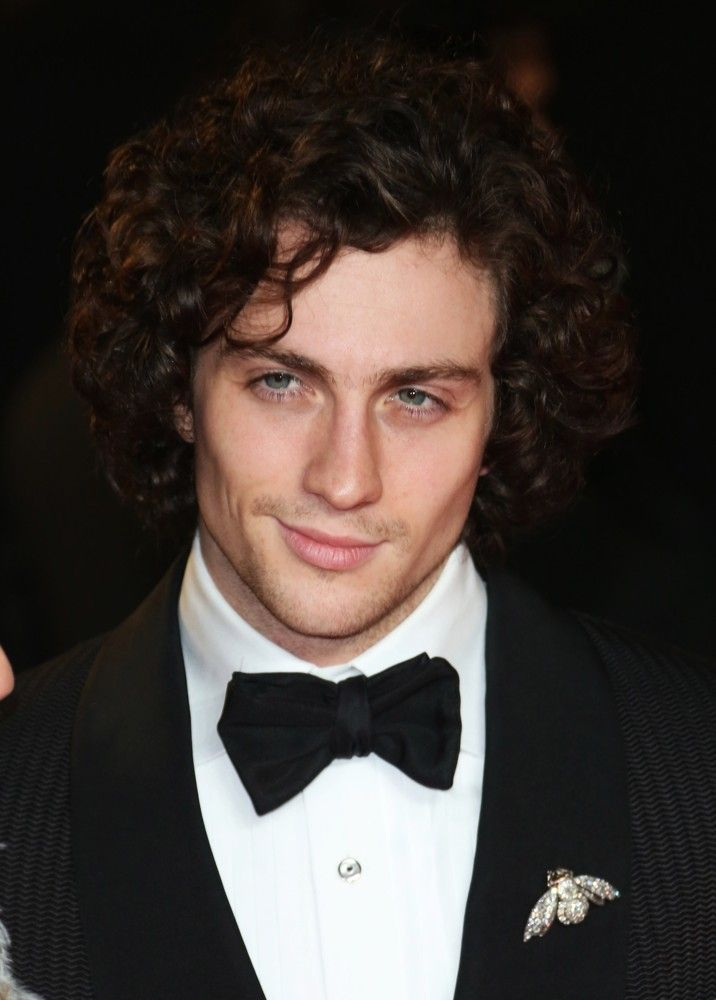Aaron Johnson Picture 32 World Premiere Of Skyfall Arrivals Aaron Johnson Aaron Taylor Johnson Aaron Taylor