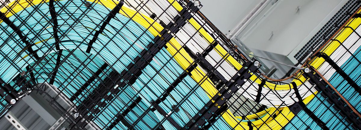 Wiring in a Cisco data center. Beautiful! | Cable Management ...