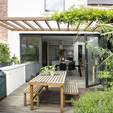 6 décorations de terrasse abritées par de la verdure Planters