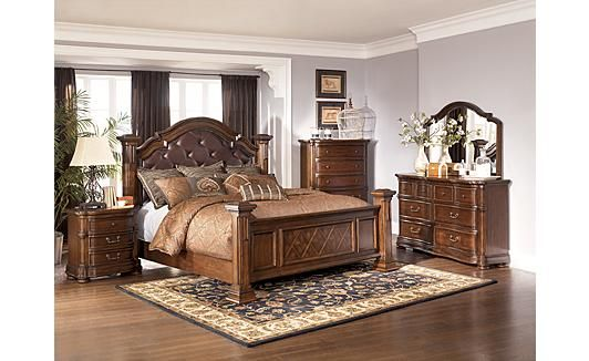 Wisteria Poster Bedroom Set By Ashley This Bed Is So Pretty In King Size King Size