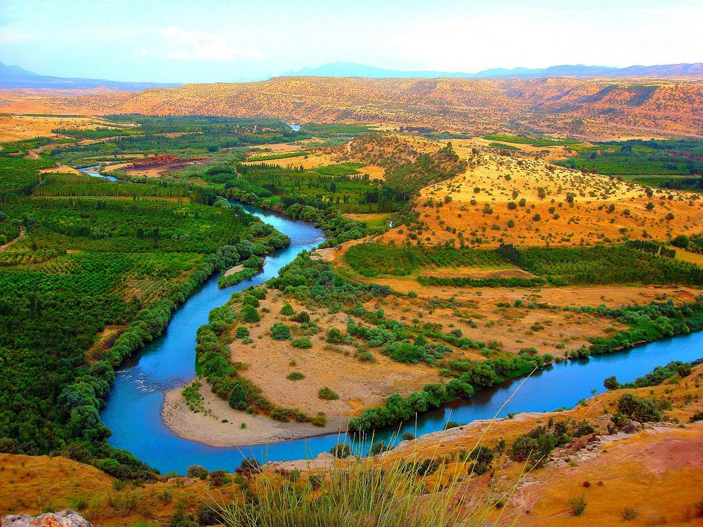 Ntv Hey Who Would Ve Known Northern Iraq Looks A Bit Like Vineyards Of Italy Mixed With Arizona Maybe If It S Ever Safe To Visit As An Iraq Landscape Scenery