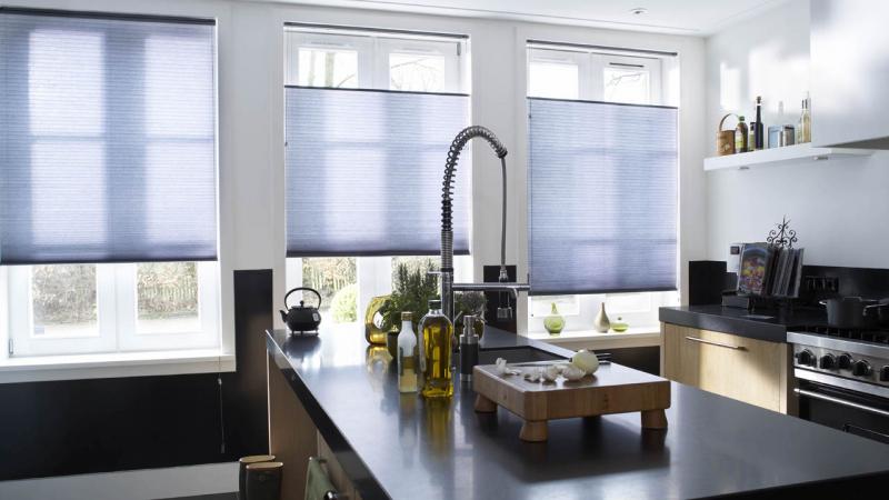 Afbeeldingsresultaat voor gordijn raam straatkant blinds