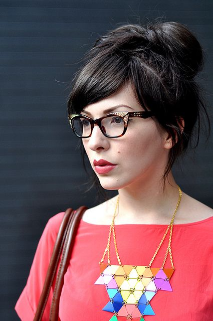 LOVE!!! her glasses!
