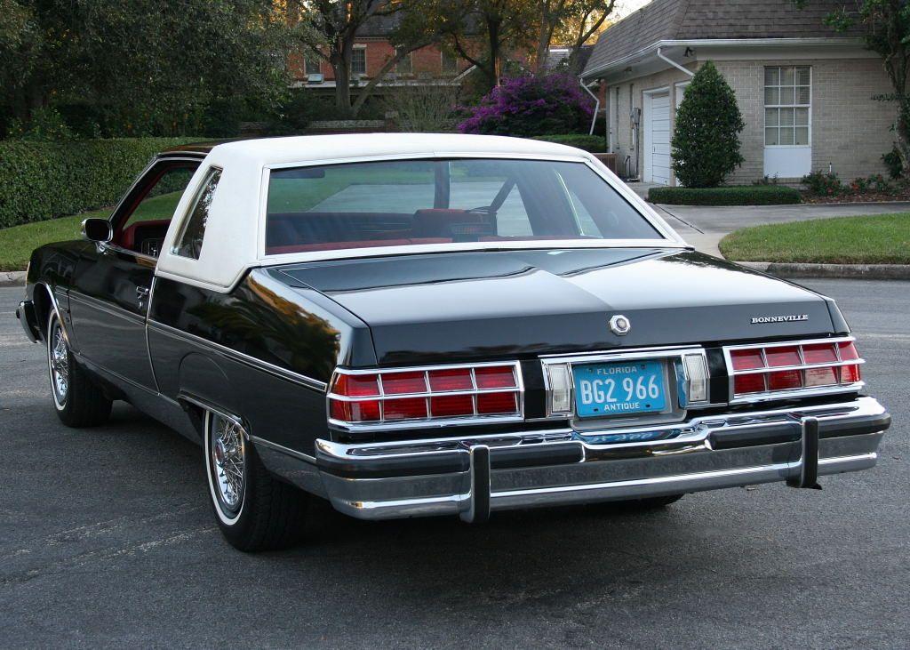1978 Pontiac Bonneville Coupe In Original Starlight Black With White Vinyl Top Pontiac Bonneville Pontiac Old School Cars