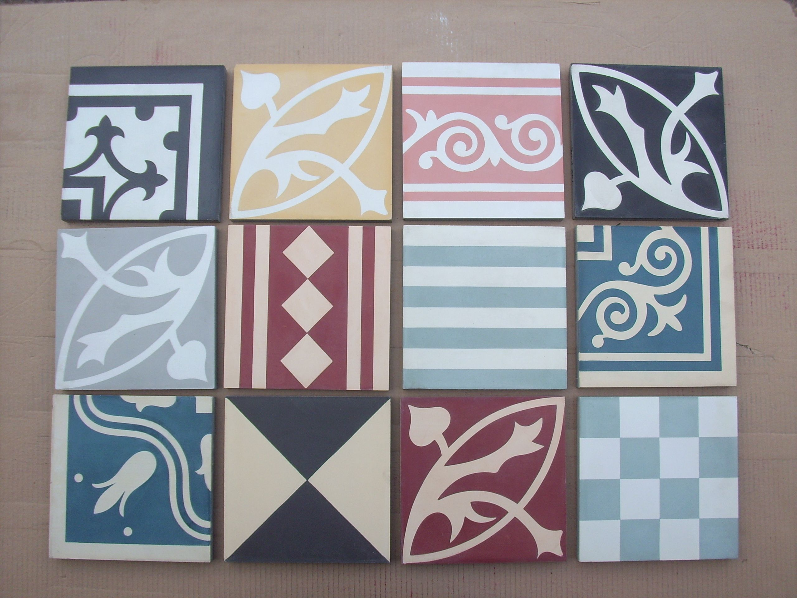 Handmade encaustic tiles, 20x20 cm format. Selection of patterns and ...