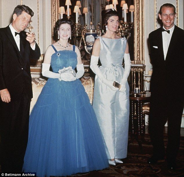3d2e4e38b A photo of the real visit the Kennedys took to see the royal family in  England. (L-R)  John F. Kennedy  Queen Elizabeth II  Jackie Kennedy