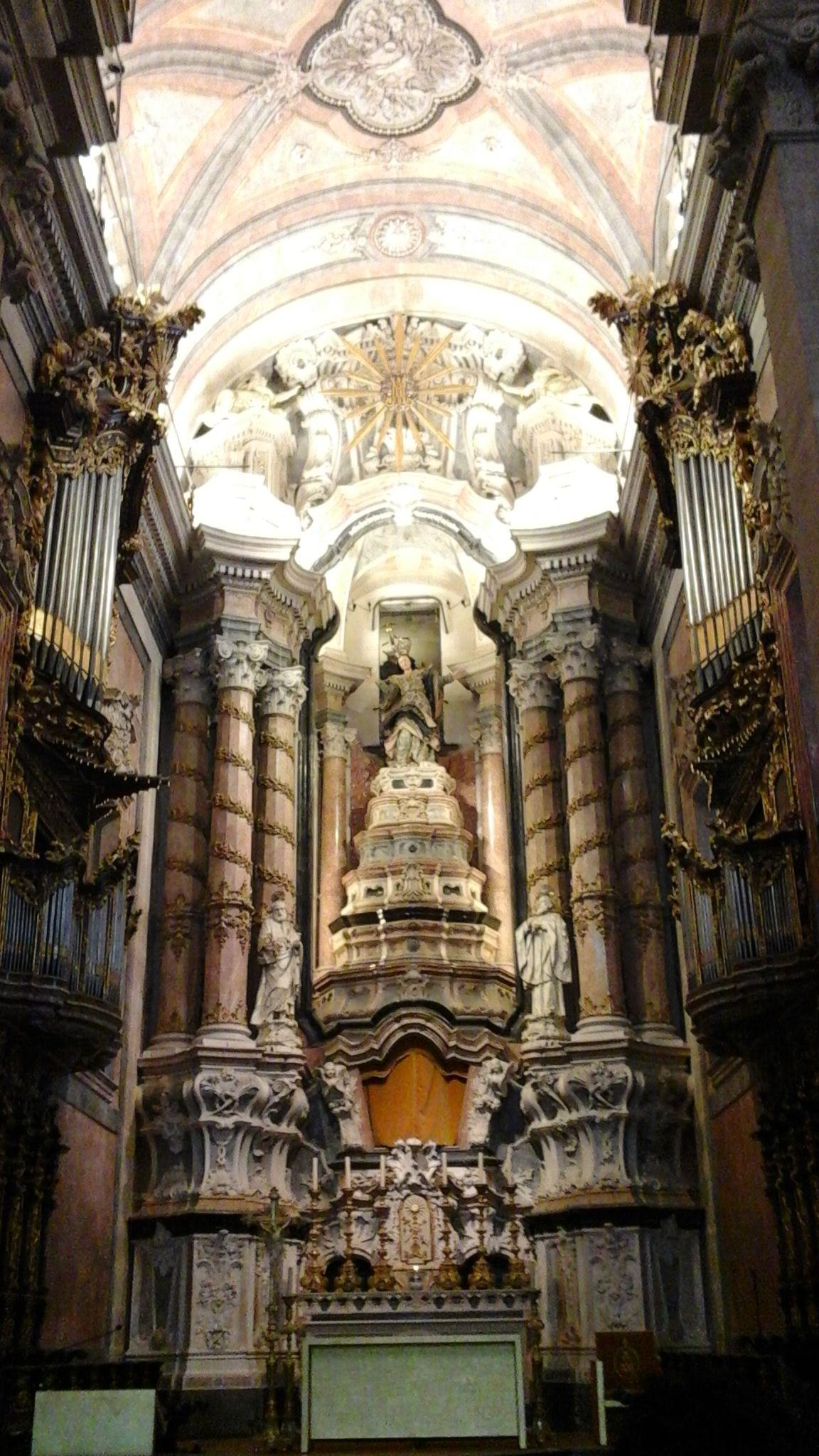 En ruta por... Oporto. Interior de la iglesia de los Clérigos