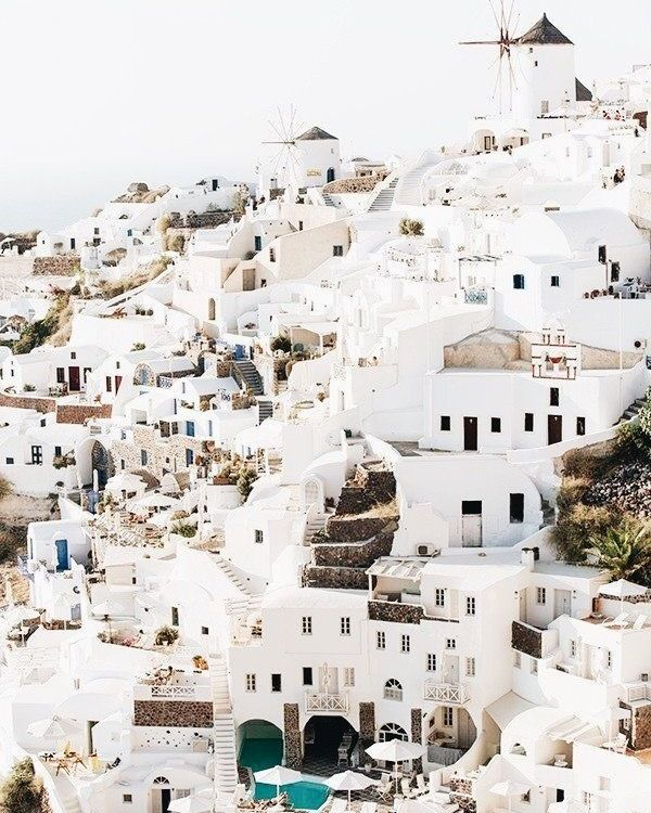 Only 15000 people live on the island of Santorini however over 1.5 million people visit a year! #photosnotpasswords