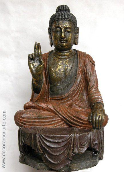 Figura de Buda con manto marrón. Altura  59 cm. Fondo  30 cm. Ancho ... 56701783843