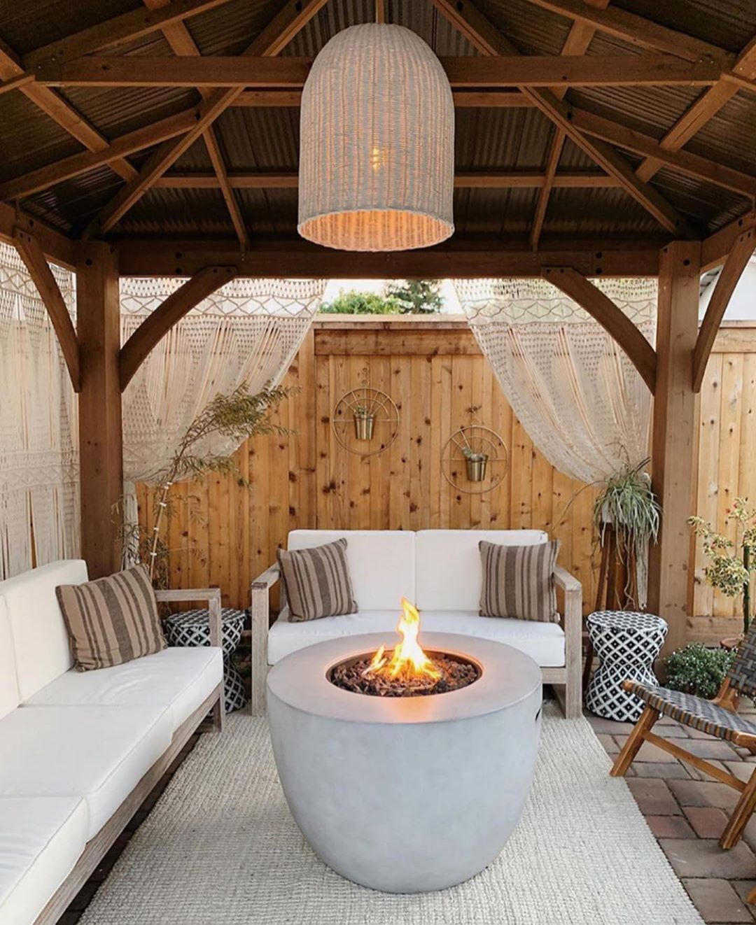 Design Your Own Exterior: @angelarosehome Just Shared All These AMAZING Outdoor