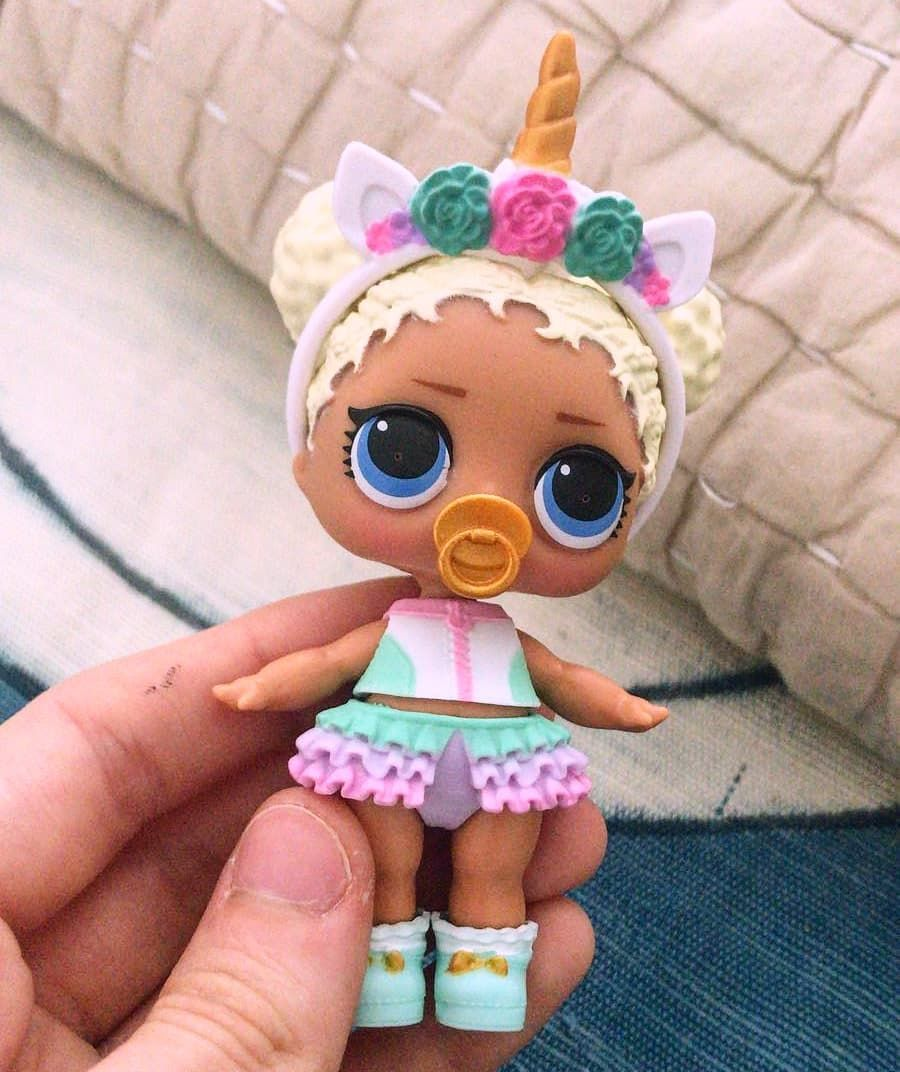 My Friend S Lol Doll She Is Flower Child With Unicorn S Outfit Isn T She Super Cute Lolsurprisedollscollector Lolsurprisedol Lol Dolls Baby Girl Toys Lol