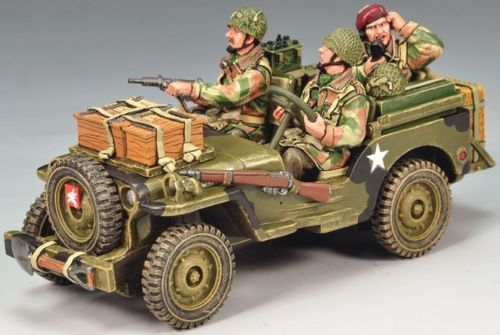 World War II British Army MG029 Radio Jeep set - Made by King and Country Military Miniatures and Models. Factory made, hand assembled, painted and boxed in a padded decorative box. Excellent gift for the enthusiast.