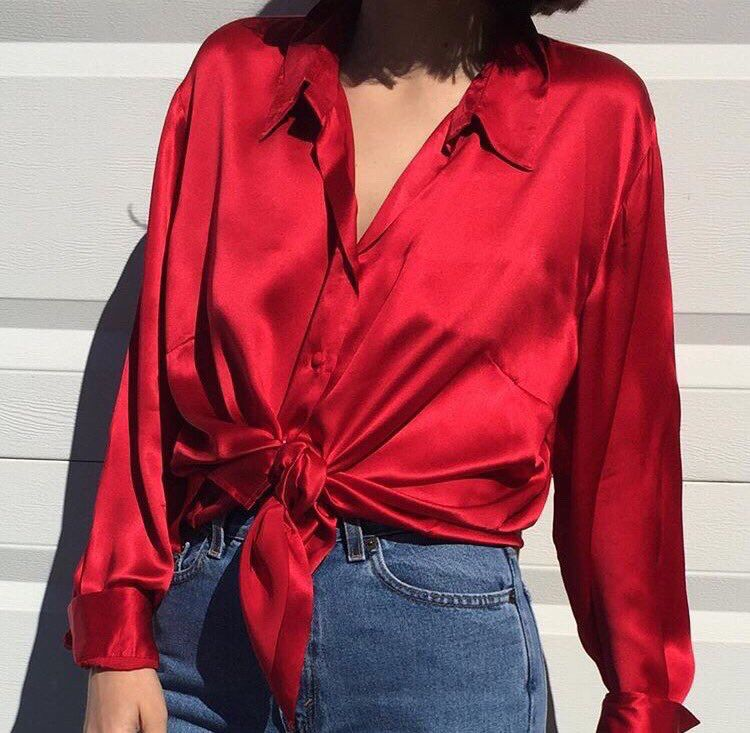 I had several satin or silk shirts, I loved to wear them