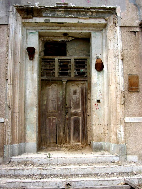 Who will walk through open doors in Kuwait to bring good news? Who will knock until the doors open wide?