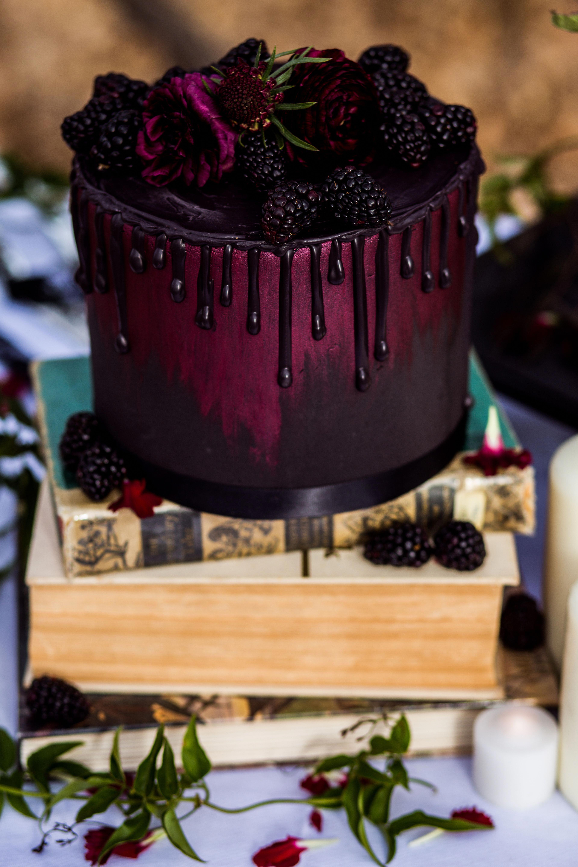 Cake With Carrot And Ham Clean Eating Snacks Recipe Burgundy Wedding Cake Gothic Wedding Cake Savoury Cake