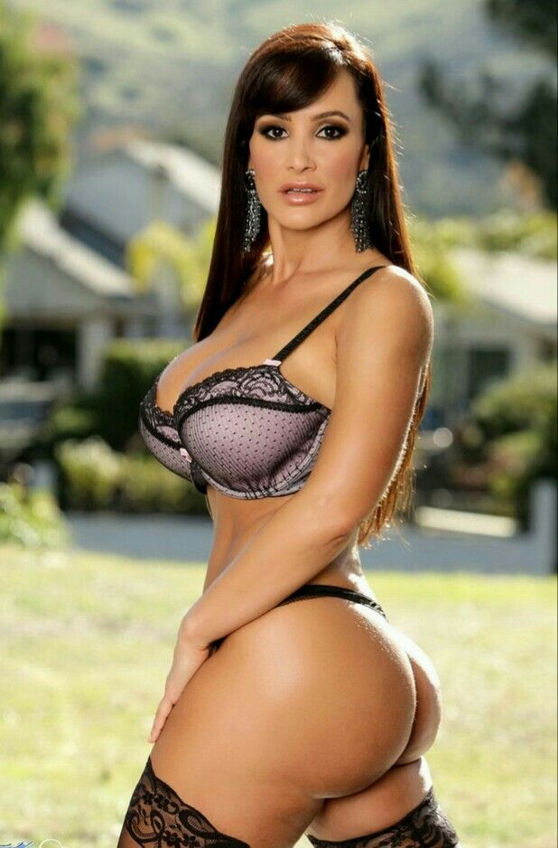 lisa ann ass pics