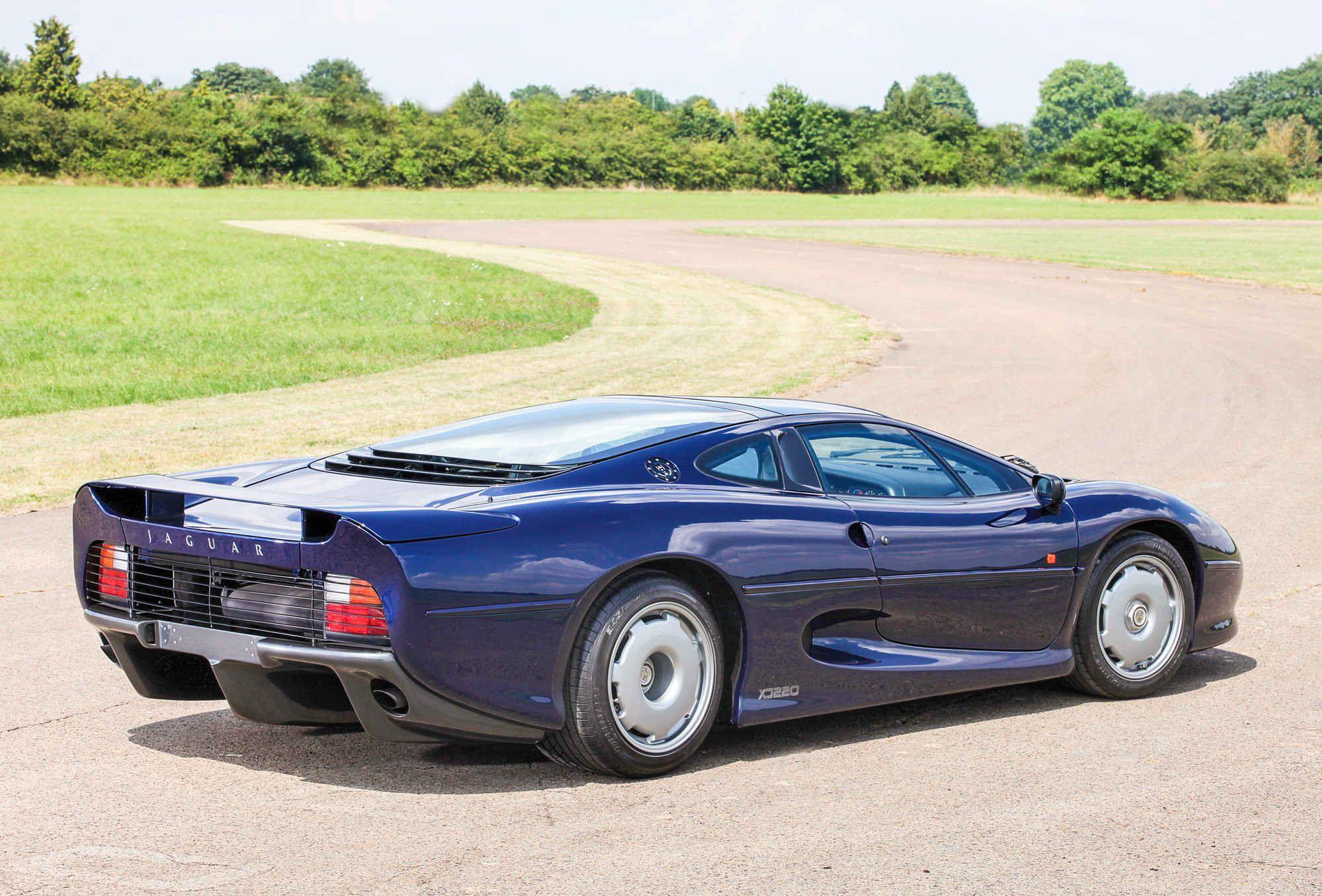 The Jaguar Xj220 Is The Perfect Supercar Jaguar Xj220 Jaguar Car Super Cars
