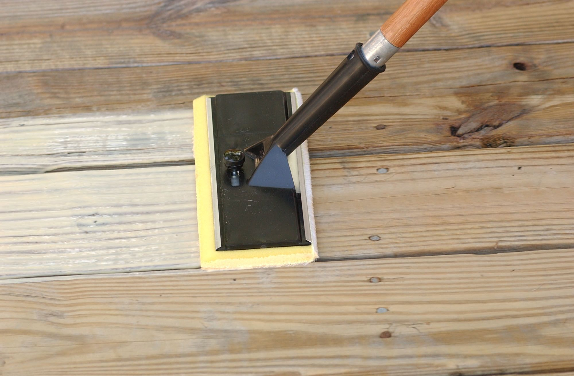 Thompson's Water Seal Advanced Natural Wood Protector goes