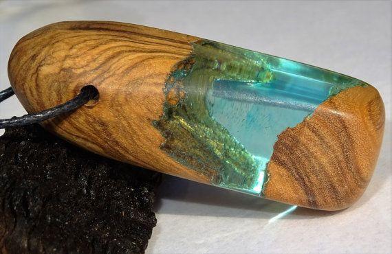 Colgante de resina olivo ecologico madera reciclada por FociFusta