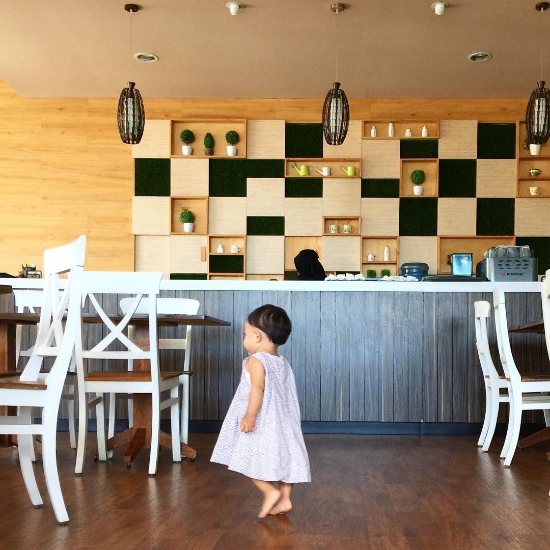 Dekorasi Baby Shop
