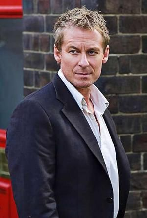 richard roxburgh wife