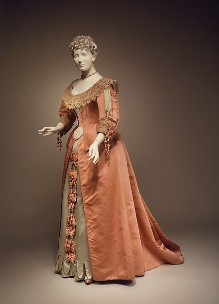 Dress Design House: House of Worth (French, 1858–1956) Designer: Jean-Philippe Worth (French, 1856–1926) Date: ca. 1895 Culture: French Medium: sIlk, linen