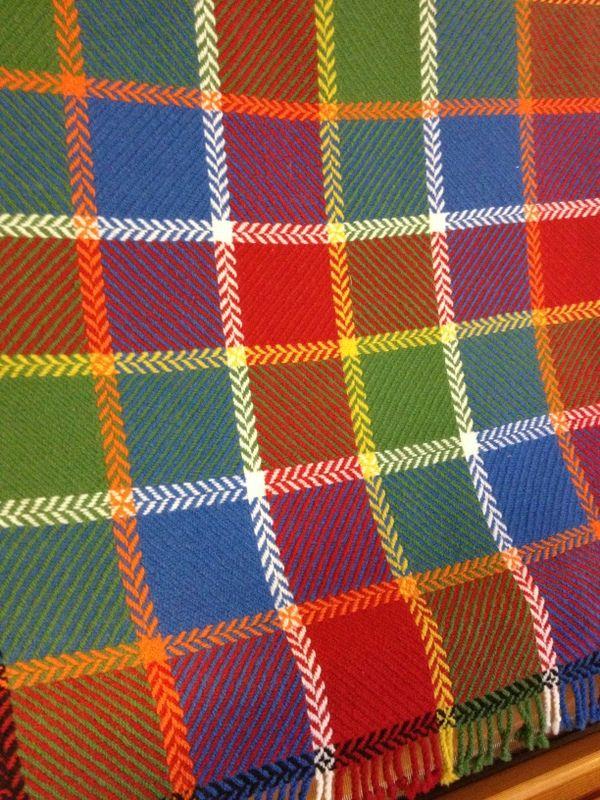 Reverse Twill blanket in wool.