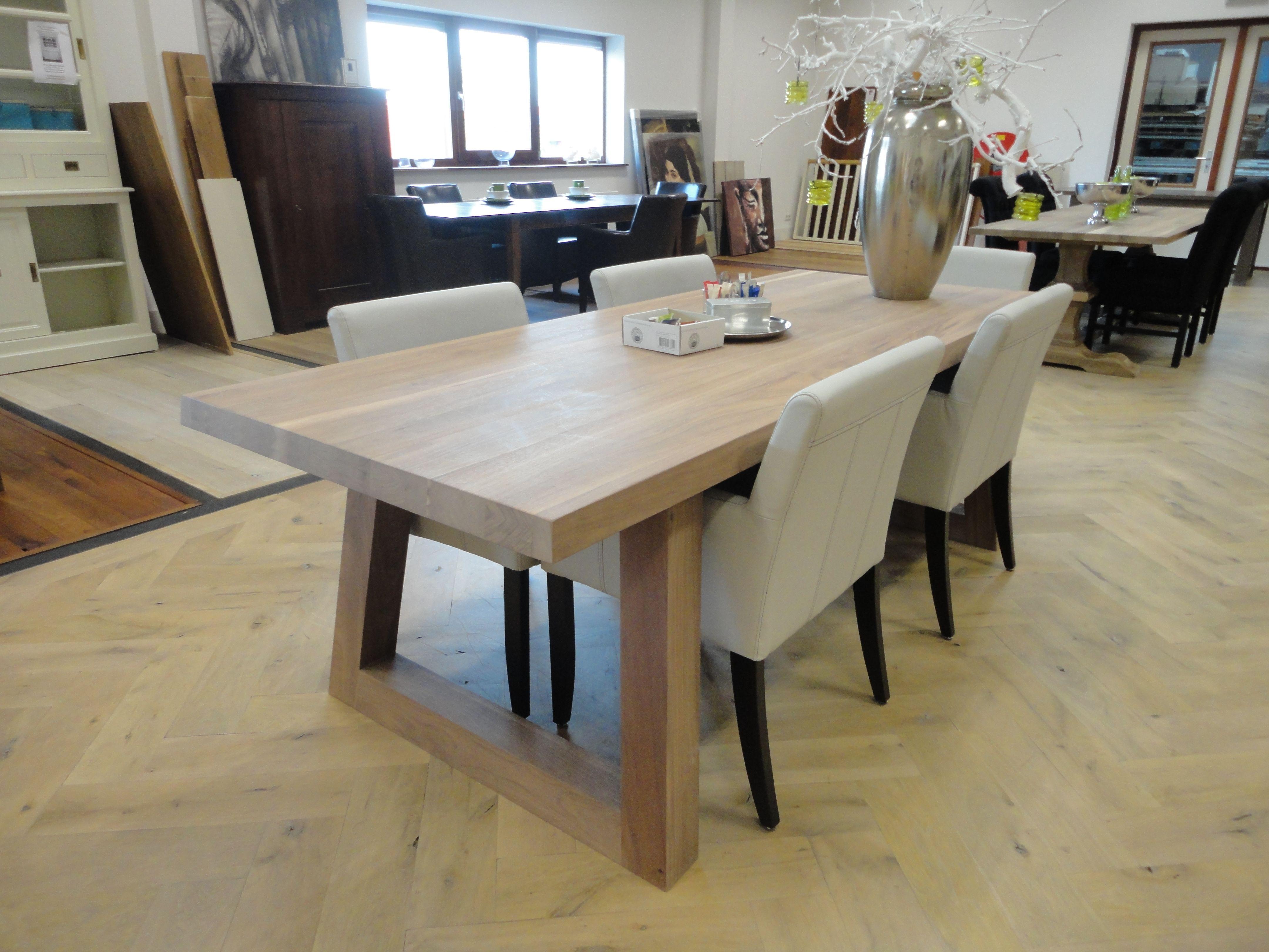 Houten Vloer Visgraat : Eettafel eiken vloer oplevering eiken visgraat vloer eiken tafel