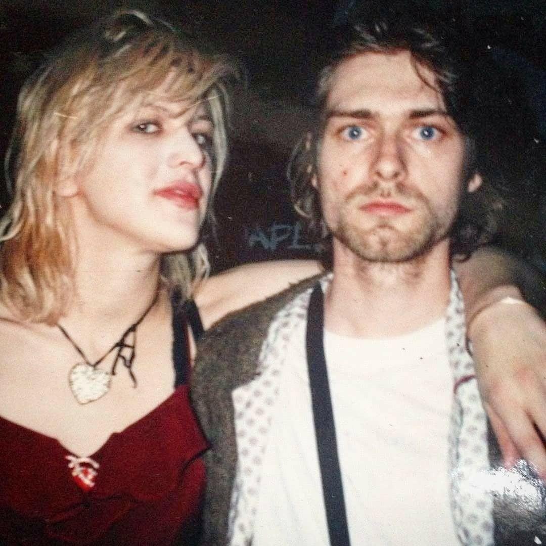 Courtney Love and Kurt Cobain - January 17, 1993 - São Paulo, BR | Courtney  love, Courtney love kurt cobain, Kurt and courtney