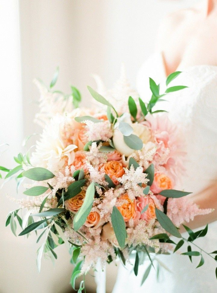 Wedding bouquet idea; photo: André Teixeira of Brancoprata