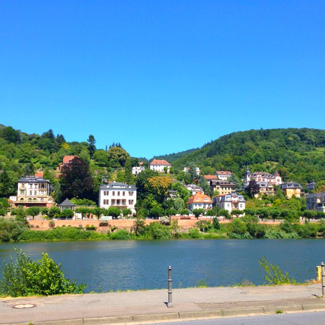 Pretty houses at d side of the river
