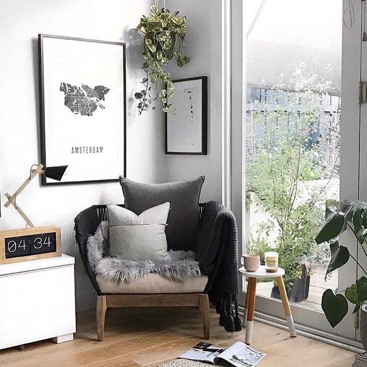Goedemorgen! Wat een mooie #fauteuil voor in de woonkamer! l Link in ...