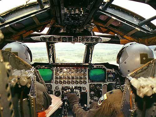 B 52d Bomber Cockpit