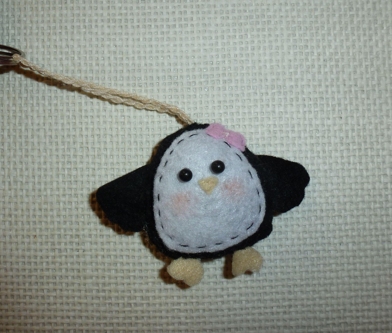 Portachiavi Pinguino in pannolenci - Penguin felt ornament #penguin #pinguino #fiocco
