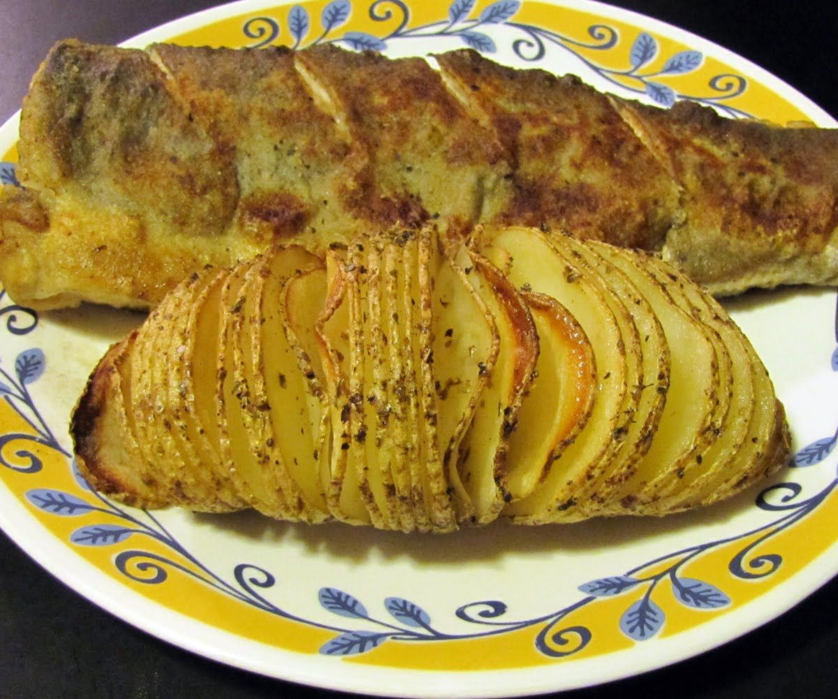Smells Like Food in Here: Russet Baked Potato Fans aka Hasselback Potatoes