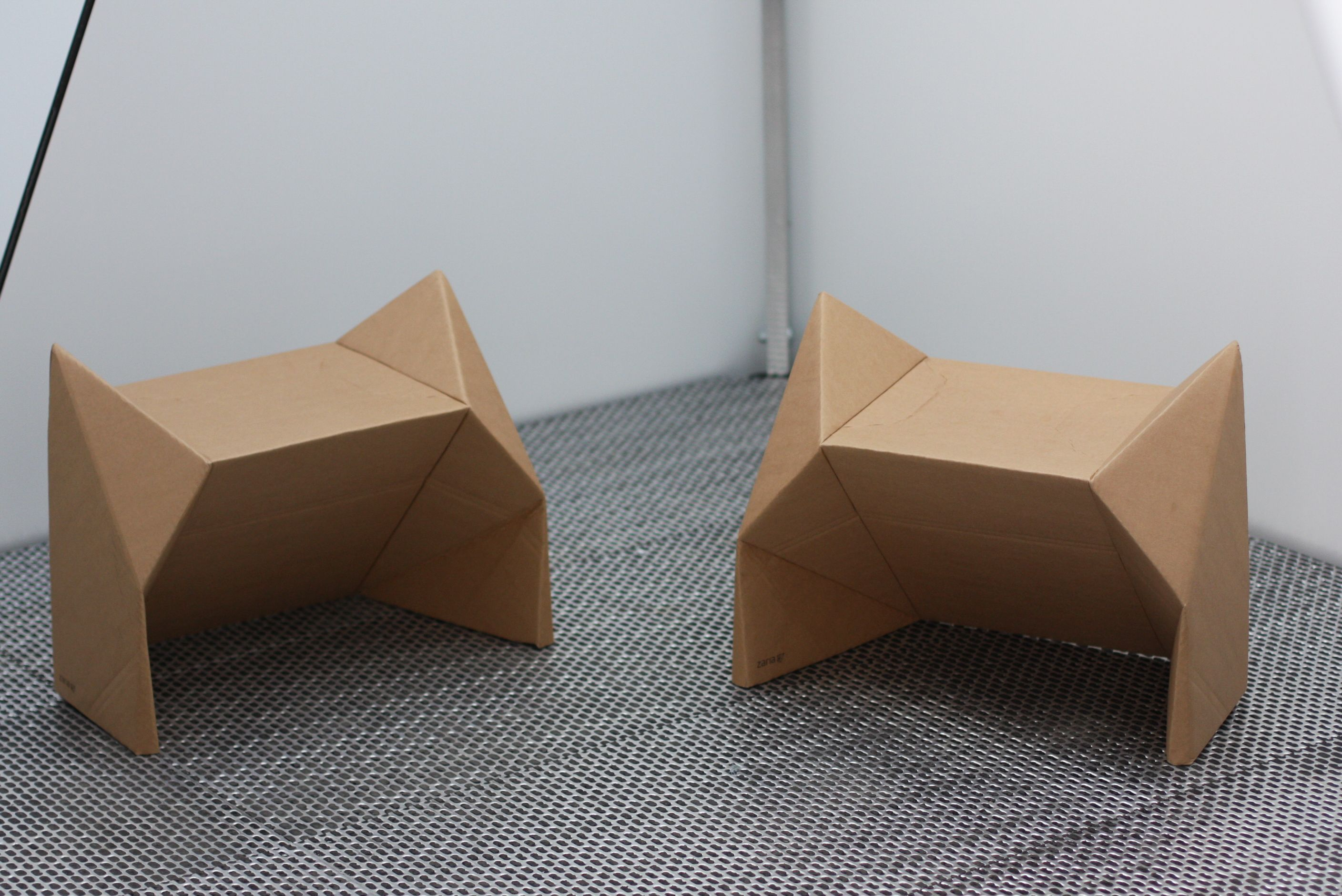 cardboard-furniture-dmy-berlin-zaria.jpg (2816×1880)