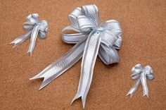 How to Make a Bow Out of Ribbon #howtomakeabowwithribbon