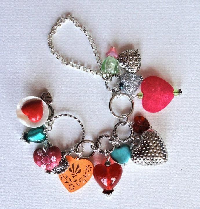 Love is all around - braclet