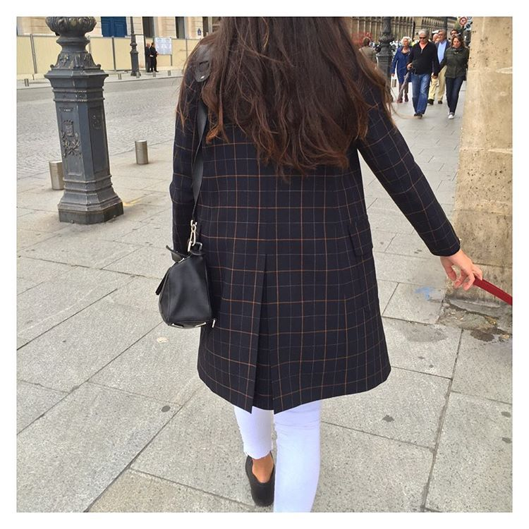 Dimanche Laetitia, Instagram posts, Style