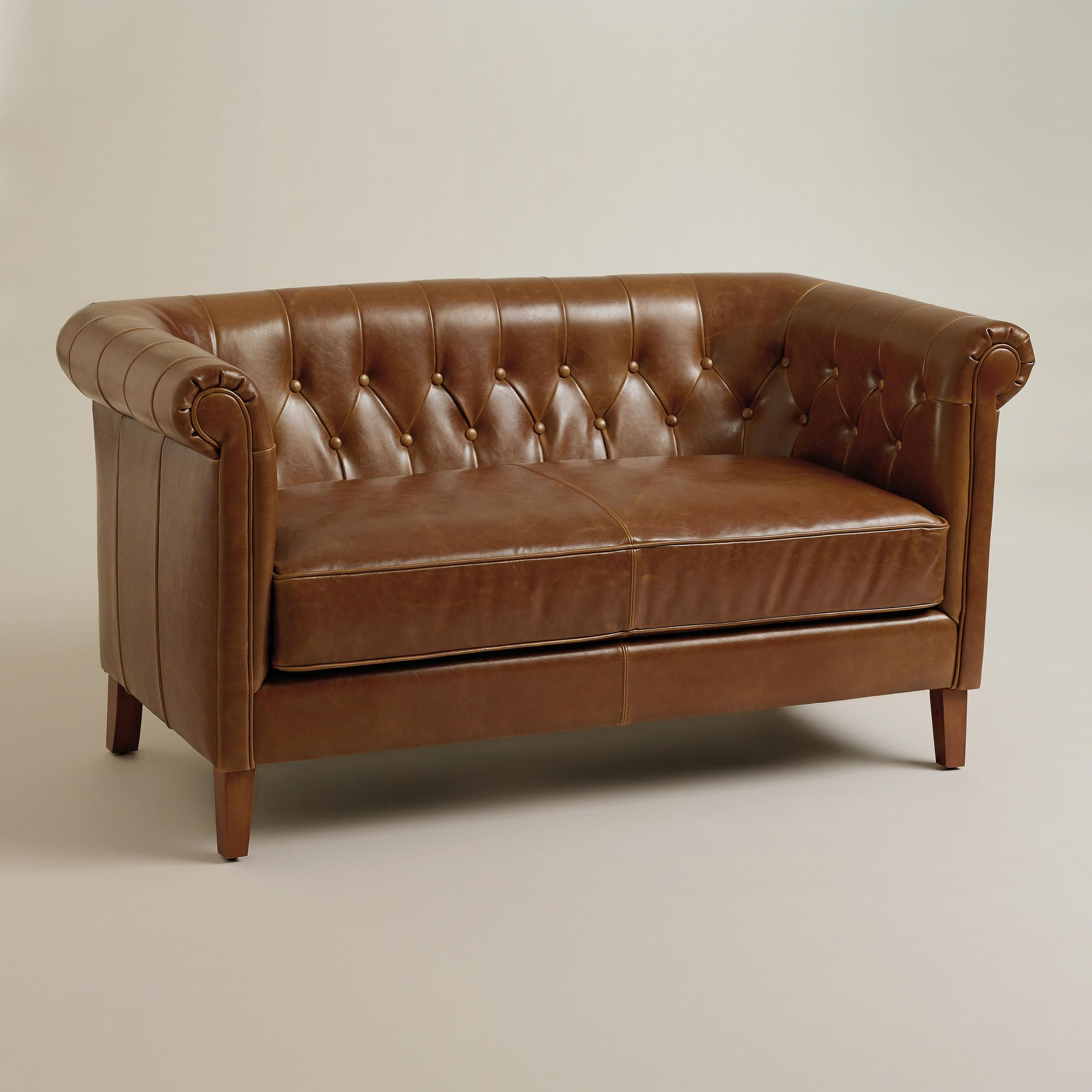 Es Loveseat