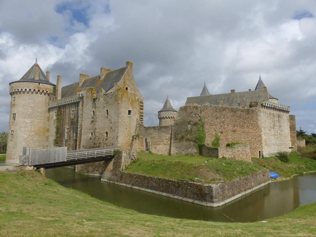 Château de Suscinio en Bretagne - #easyvoyageurs #clubeasyvoyage #testeursdevacances #travel #traveler #traveling #travellovers #voyage #voyageur #holiday #holidaytravel #tourism #tourisme #vacances #paradis #paradise #bretagne #france #brittany #chateau #castle #suscinio #poplidays