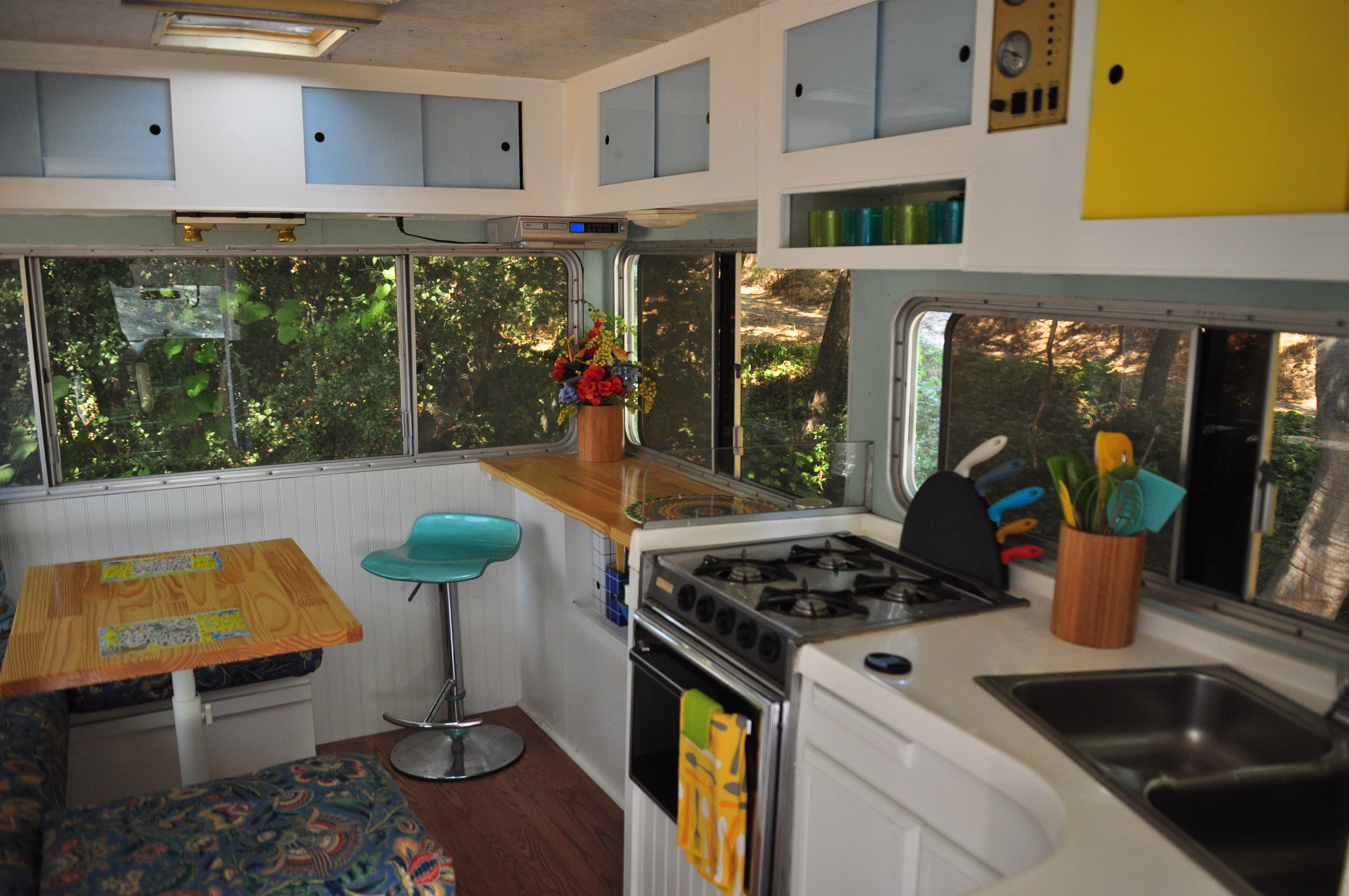Remodeled 1979 Lazy Daze Motorhome Similar Colour Scheme To Ours