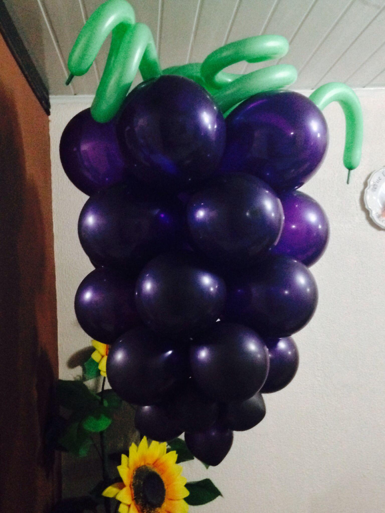 Uvas con globos. Bautizos o Primeras comuniones ...