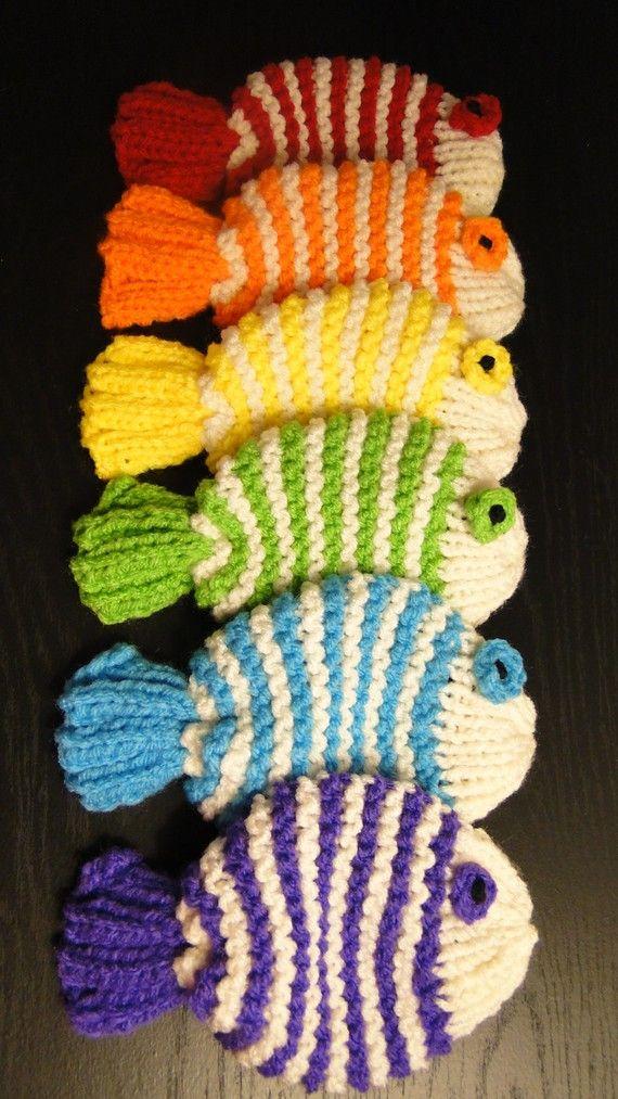 Set of Fish Dish Scrubbies in Rainbow Colors | Botones, Adornos y Tejido