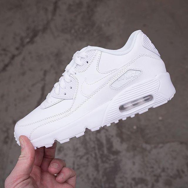 dirección Reparación posible Cenagal  zapatillas deportivas nike blancas mujer - Búsqueda de Google | Shoes  sneakers nike, Nike air max, Nike air max 90 outfit