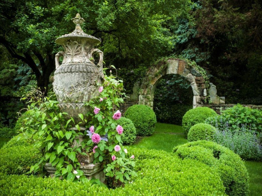 Greenwich Home For Sale Country Estate Greenwich Garden Sculpture