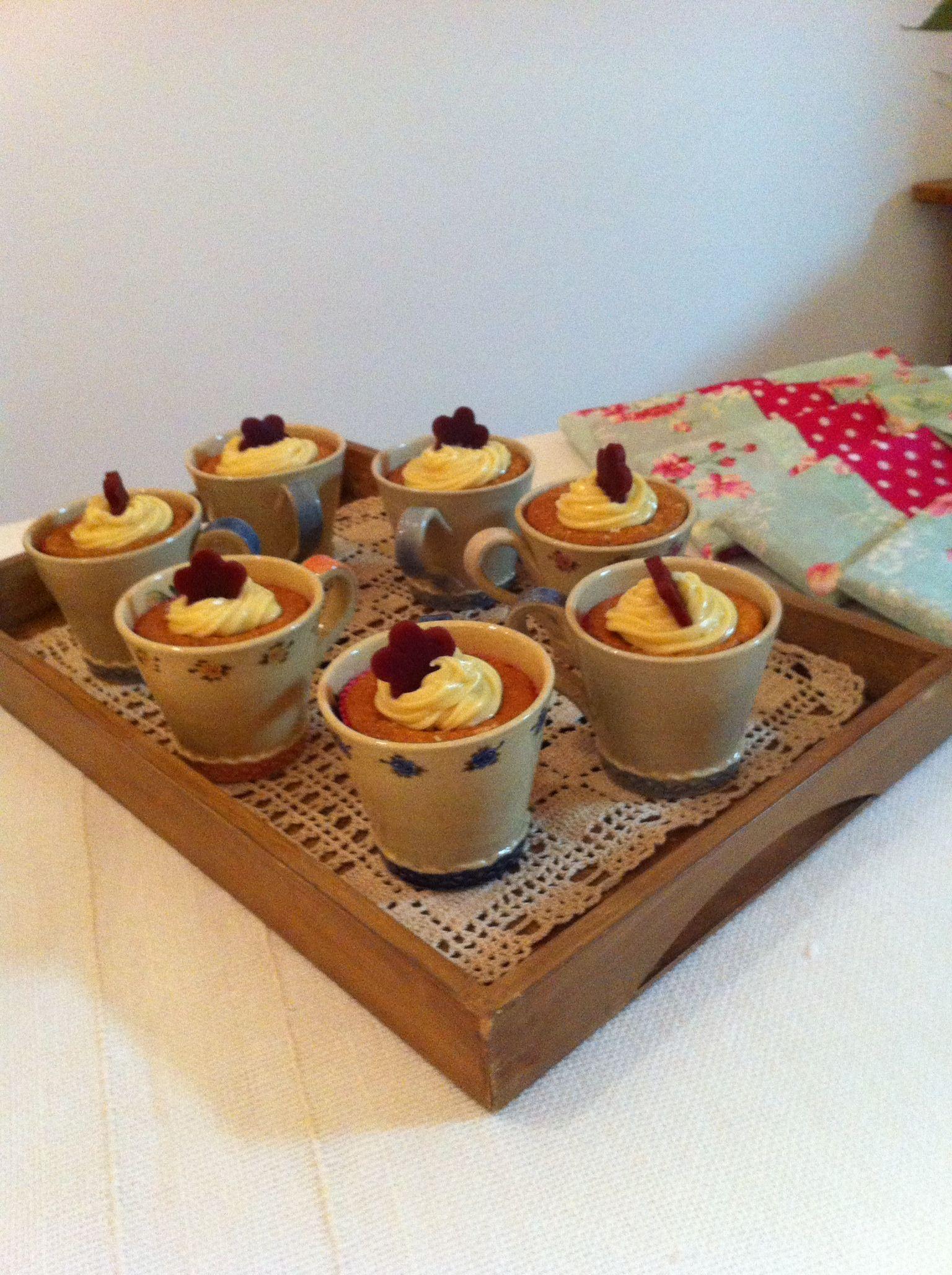 Cupcake na canequinha - lembrança do Dia das Mães.