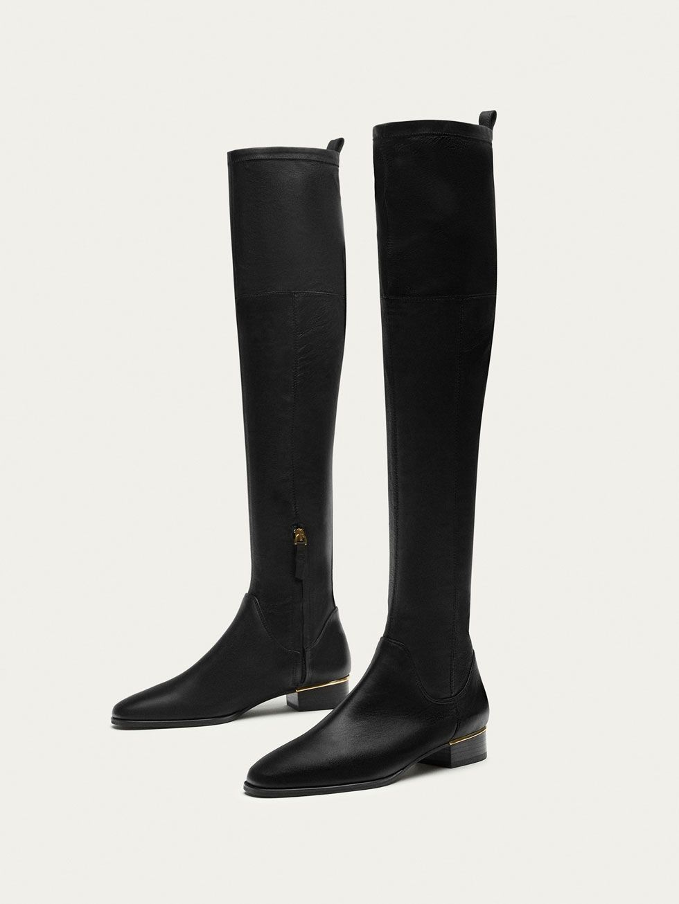 0c4eb3d1ed9 Fall Winter 2017 Women´s BLACK LEATHER KNEE-HIGH BOOTS at Massimo Dutti for  225. Effortless elegance!