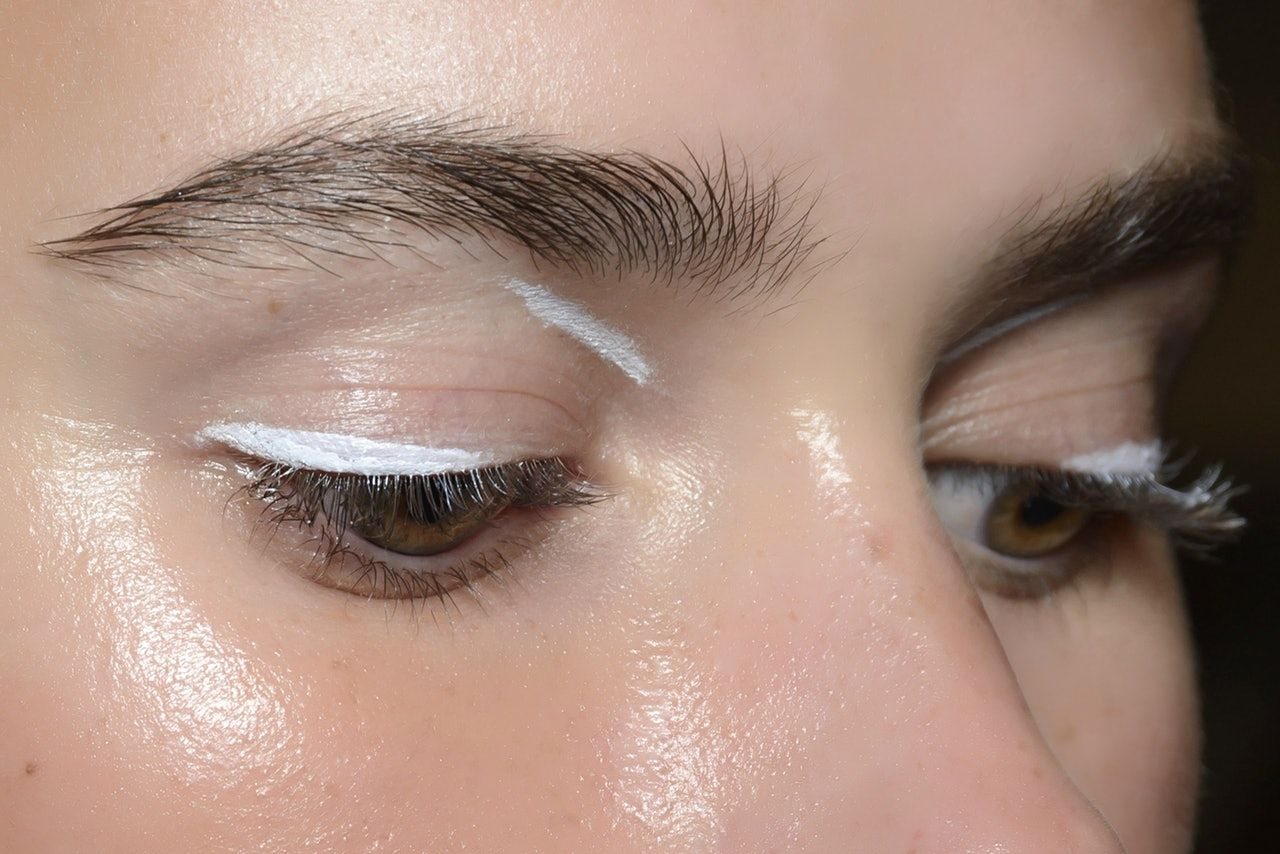 The Unexpected Eyeshadow Trend Everyone Will Be Trying In 2019