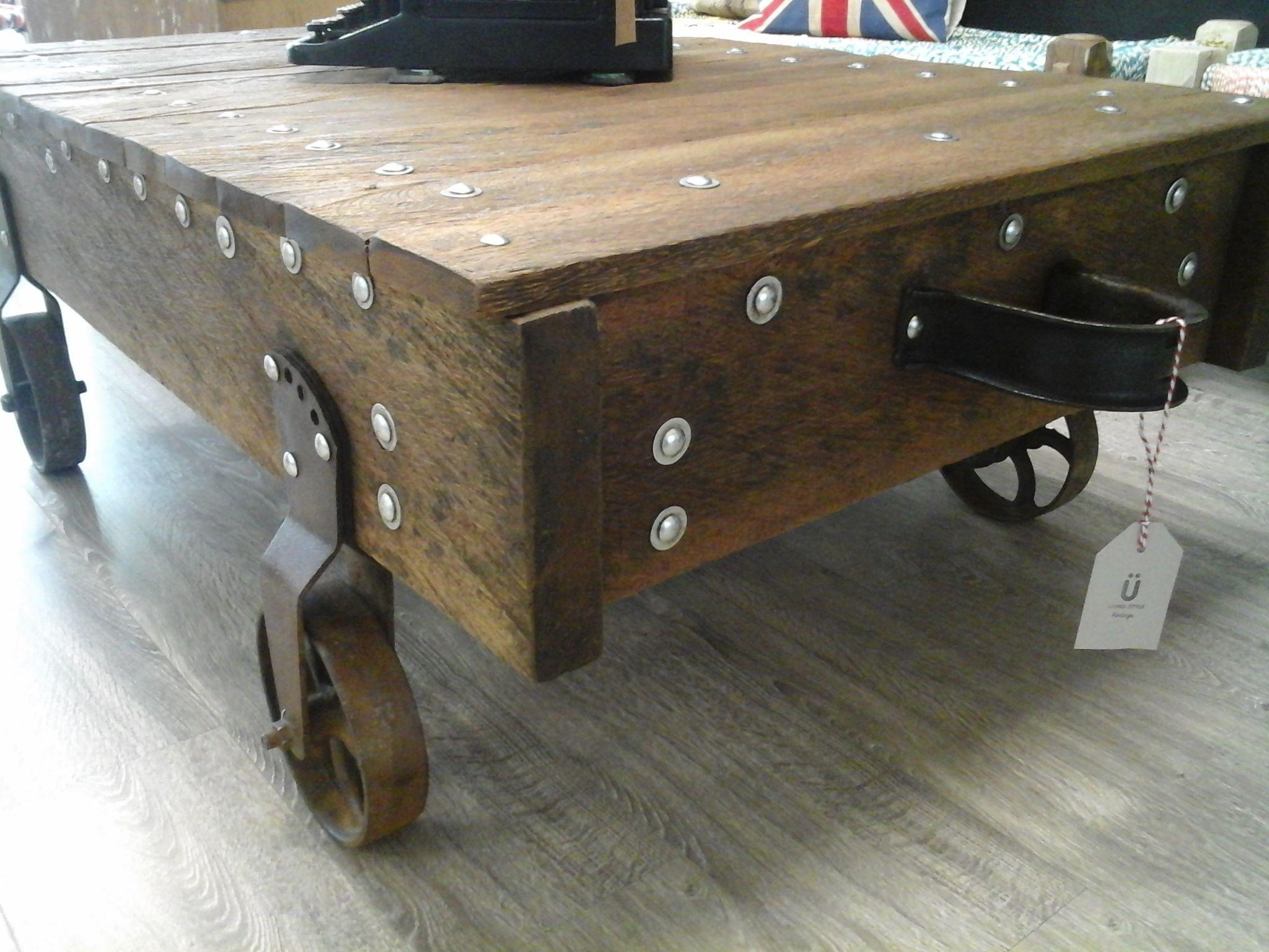 Lamparas rusticas madera y fierro buscar con google for Como hacer una mesa estilo industrial